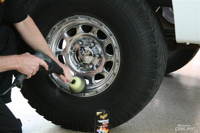 How To Polish Aluminum Wheels >> Wheel Polishing With The Dynacone